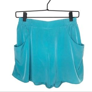 NWT Everly Turquoise Shorts with Pockets Small
